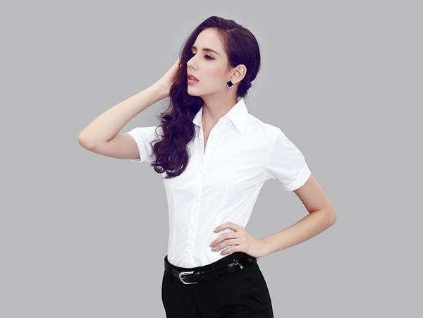 白色女款衬衣